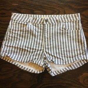 H&M Gray & White Vertical Striped Shorts Size 8